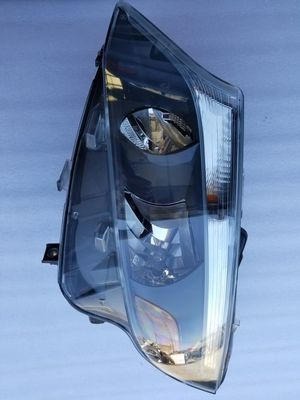 Mercedes metris, headlight 2016-2020 for Sale in North Highlands, CA