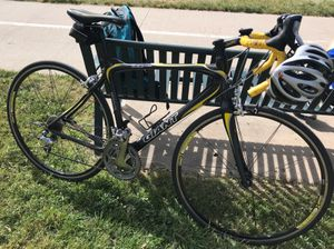 Medium Giant OCR Limited Full Carbon Ultegra Road Bike for Sale in Lakewood, CO