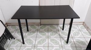 Small table for Sale in Turlock, CA