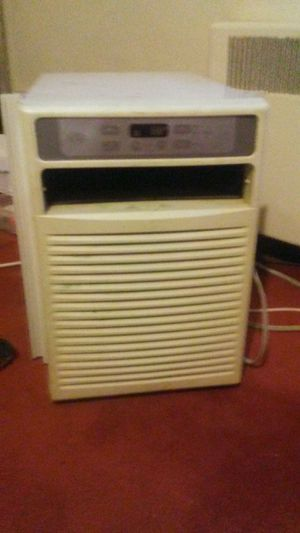 AIR CONDITIONER for Sale in Brentwood, PA