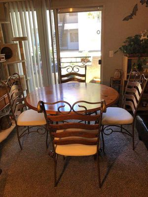 Kitchen table with 4 chairs for Sale in Henderson, NV