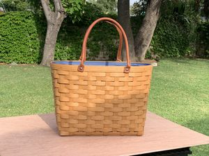 Longaberger Boardwalk Basket-Excellent for Sale in Glendora, CA