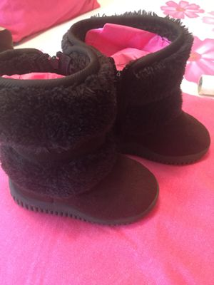 Boots for little girls size 7 good conditions. Super comfortable and soft for Sale in Addison, IL