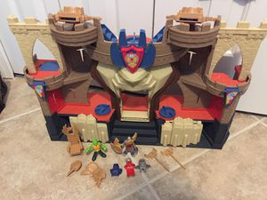 Imaginext Castle Playset with Figures for Sale in Kissimmee, FL
