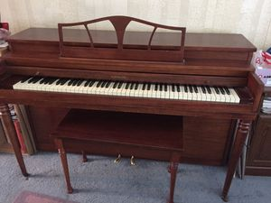 Free Huntington Piano for Sale in Canby, OR