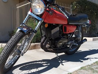 75 YAMAHA RD350 STREET LEGAL VINTAGE RARE, COLLECTIBLE CLASSIC. CAFE RACER BEAUTIFUL MOTORCYCLE for Sale in Los Angeles,  CA