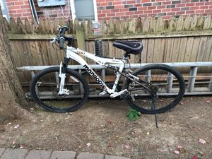 Mongoose 200xr aluminum tubing mountain bike barley used for Sale in Philadelphia, PA