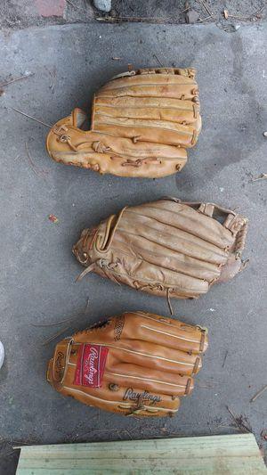 Baseball gloves/left hand for Sale in Houston, TX