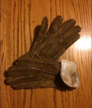 Suede patchwork fur lined woman's gloves for Sale in Milnesville, PA