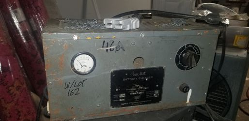 BATTERY CHARGER for Sale in High Point,  NC