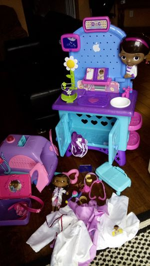 Doc McStuffins center. Ambulance. Talking doll. Dress up clothes for Sale in Lucas, TX