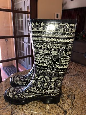 The Sak Sakroots Rhythm 'Peace' Rain Boots Waterproof. Women's size 7, Black and light Gray for Sale in Scottsdale, AZ