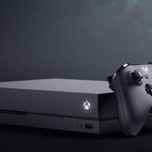 Xbox One X 1 TB- Grey - Lightly Used for Sale in Pompano Beach, FL