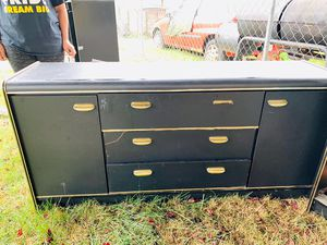 FREE BEDROOM SET Chester, dresser with mirror and head board. for Sale in Yelm, WA