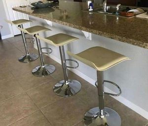 Set of 4 chair bar stools new in box for Sale in Orlando, FL