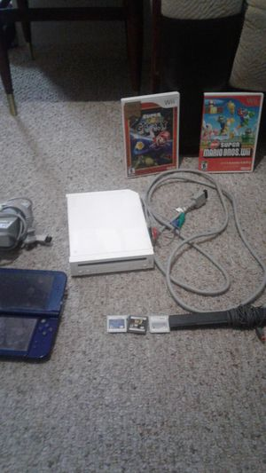New Nintendo 3ds xl with Wii and games for 3ds and Wii both in working conditions for Sale in Woonsocket, RI