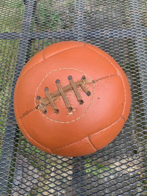 Vintage medicine ball, leather 9.2 lbs for Sale in East Hartford, CT