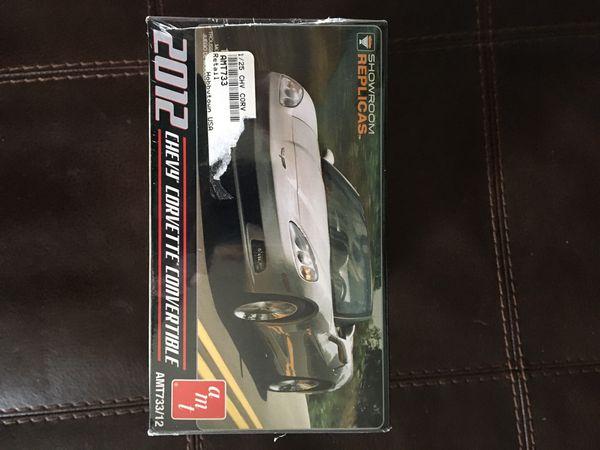 AMT 2012 Chevrolet Corvette Convertible ~ 1:25 Scale Model Kit