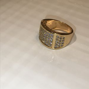 💍🤩UNISEX 18K Gold plated GORGEOUS Ring for Sale in Dallas, TX