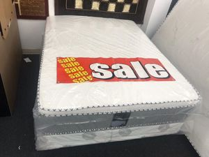 full pillow top mattress with boxspring for Sale in Pomona, CA