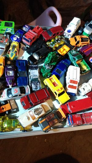 7 lb over 148 hot wheels matchboxes & monster trucks for Sale in Sacramento, CA