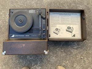 AUDIOTRONICS MODEL 304A Vintage Four Speed Record Player for Sale in Alameda, CA