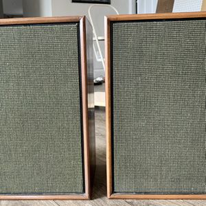 Wood Sylvania Speakers for Sale in Kingman, KS