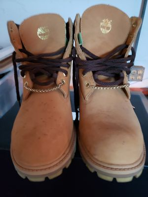 Boots 7.5 medium for Sale in St. Petersburg, FL
