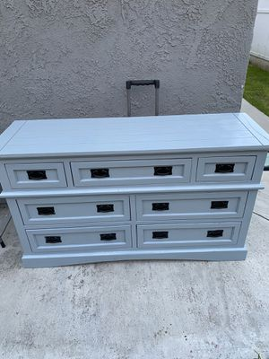 Dresser 7drawers for Sale in Riverside, CA