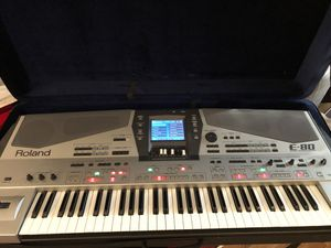 ROLAND E-80 MUSIC WORKSTATION keyboard for Sale in Chicago, IL