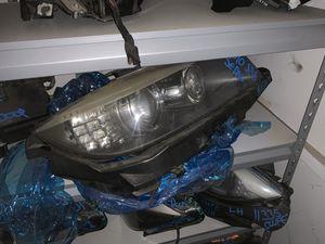 E90 LCI Headlight BMW 335 328 M3 RIGHT SIDE XENON for Sale in Huntington Beach, CA