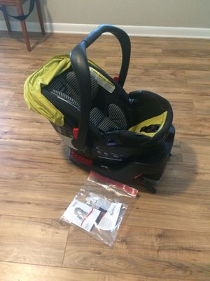 Britex B-Safe 35 Elite baby child car seat for Sale in Hazel Green, AL