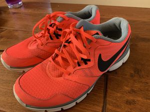Women's Nike Athletic Shoes Size 8.5 Perfect Condition!! for Sale in Fresno, CA