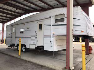 2003 wilderness travel trailer great shape for Sale in Grand Prairie, TX