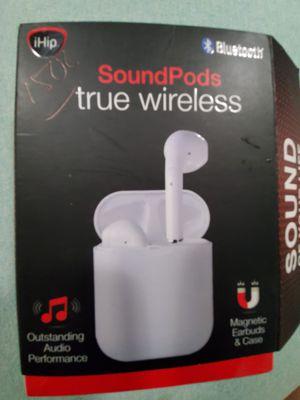 Wireless Magnetic Earbuds & Case for Sale in N REDNGTN BCH, FL