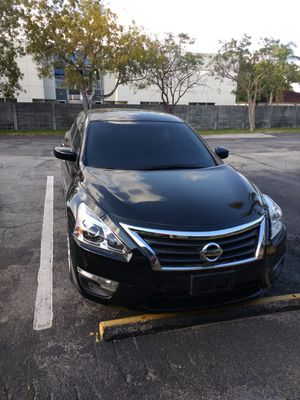 Nissan altima 2015 for Sale in Hollywood, FL