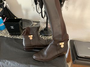 Authentic Michael kors boots 7 for Sale in Sylmar, CA