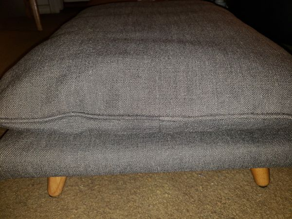 Small Pet Cot. Brand new, never used. $ 55 or best!