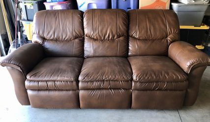 Double reclining Leather Couch for Sale in Bend,  OR