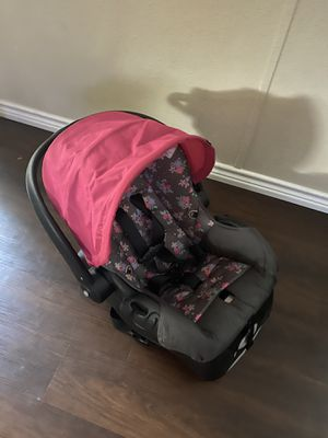 Infant car seat for Sale in Wylie, TX