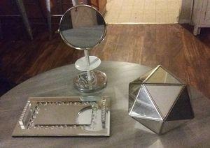 Mirrored room decor for Sale in Modesto, CA