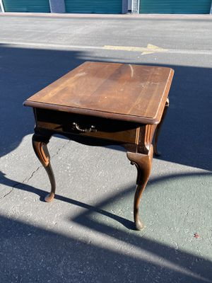 End table (or best offer) for Sale in Las Vegas, NV