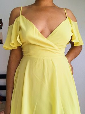 Yellow Dress for Sale in Las Vegas, NV