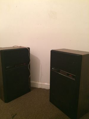 2 speakers ,stereo system for Sale in Baltimore, MD
