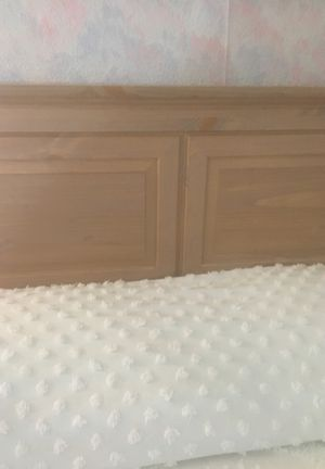 White washed queen size headboard for Sale in Wilmington, NC