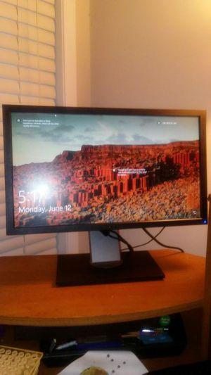 "Dell 22"" adjustable rotating computer monitor for Sale in Marietta, GA"