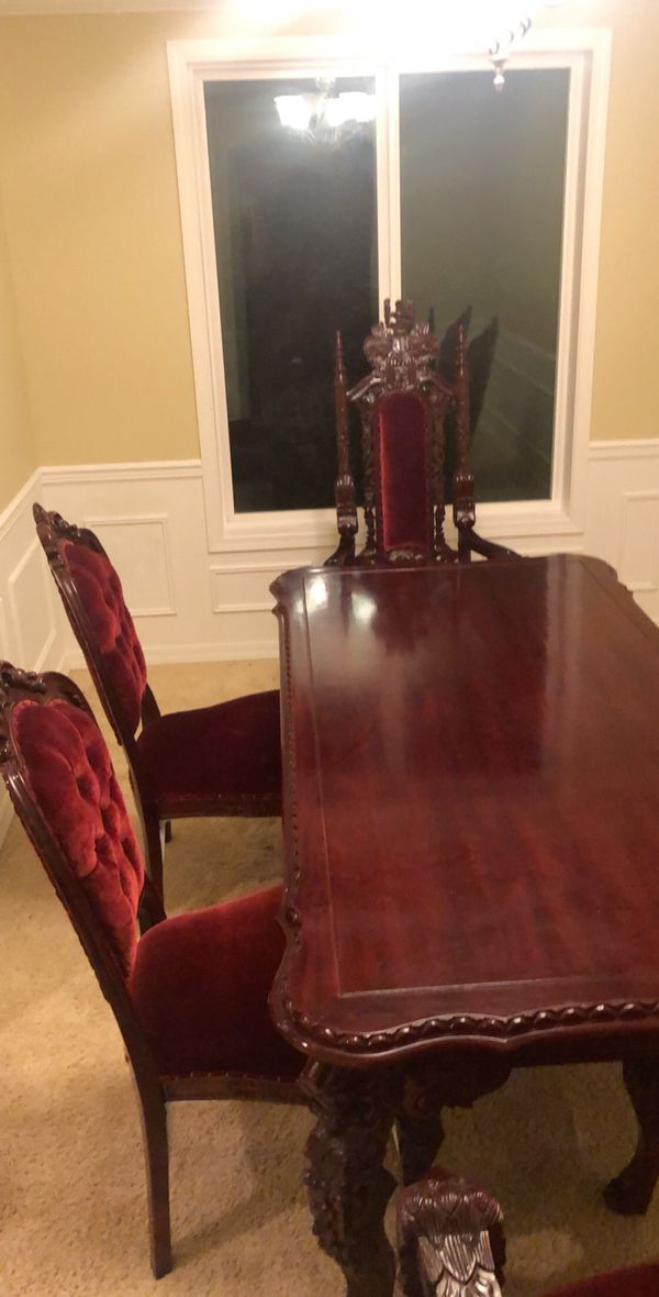 Dining table Kings/Queens table