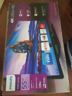 "Philips TV smart 4k 55"" (cracked screen) for Sale in Fairfax, VA"