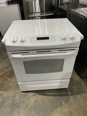 Ge profile electric stove 30 inches works perfect clean one receipt 60 days warranty for Sale in Salem, MA