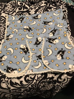 Cow over the moon baby blanket set for Sale in Layton, UT